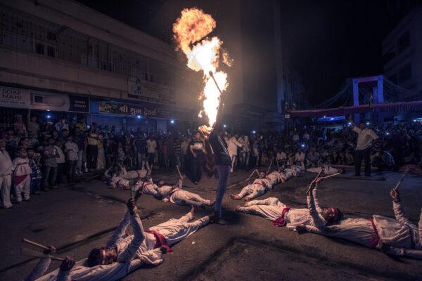 2018 HW 13 Sampa Guha Majumdar 03 Traditional Garba Jamnagar