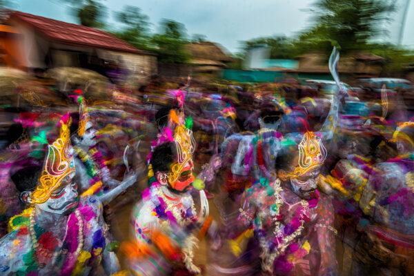 2018 PH 5 WP 07 Saurabh Sirohiya 03 Colourful Of The Gajan Kolkata